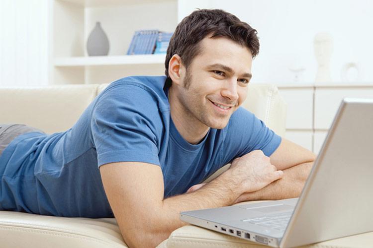 Как общаться с парнем в интернете – Как общаться с парнем в интернете, примеры: 8 советов