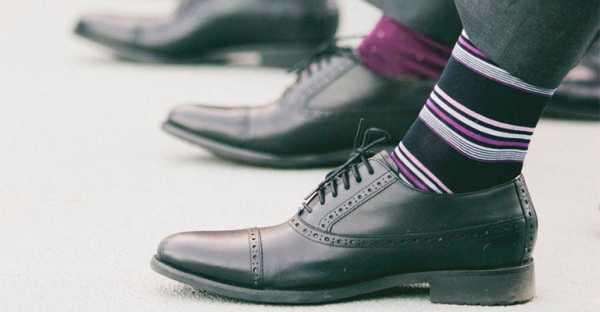 498fc13f7fb23 Если говорить о мужских носках, которые всегда в тренде, то стоит сказать о  том, что не выходят из моды практичные и удобные варианты, которые  подбираются ...